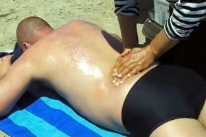 Chinesische Massage am Strand